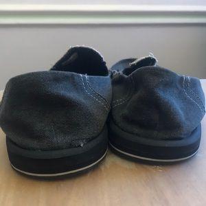 Sanuk Shoes - Men's canvas  shoes
